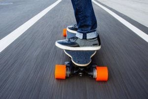 Best Electric Skateboards For Riding at the Beach